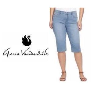 c5d2b728df66d Women s Gloria Vanderbilt Amanda Plus Size Jeans on Poshmark